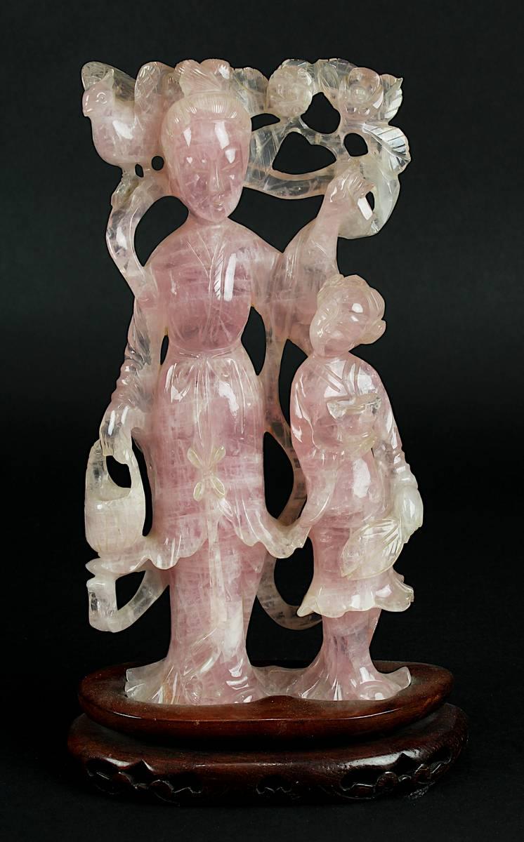 1-0013 - Chinesische Figur einer Dame mit Kind aus Rosenquarz Image