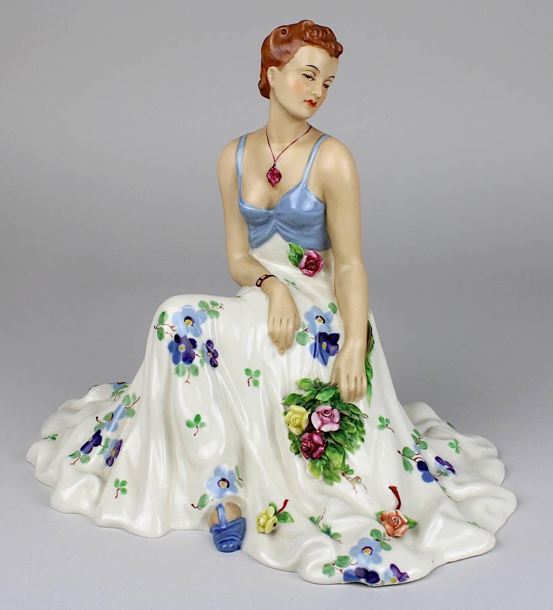 11-0001 - Royal Dux, Dame mit sommerlichem Kleid Image
