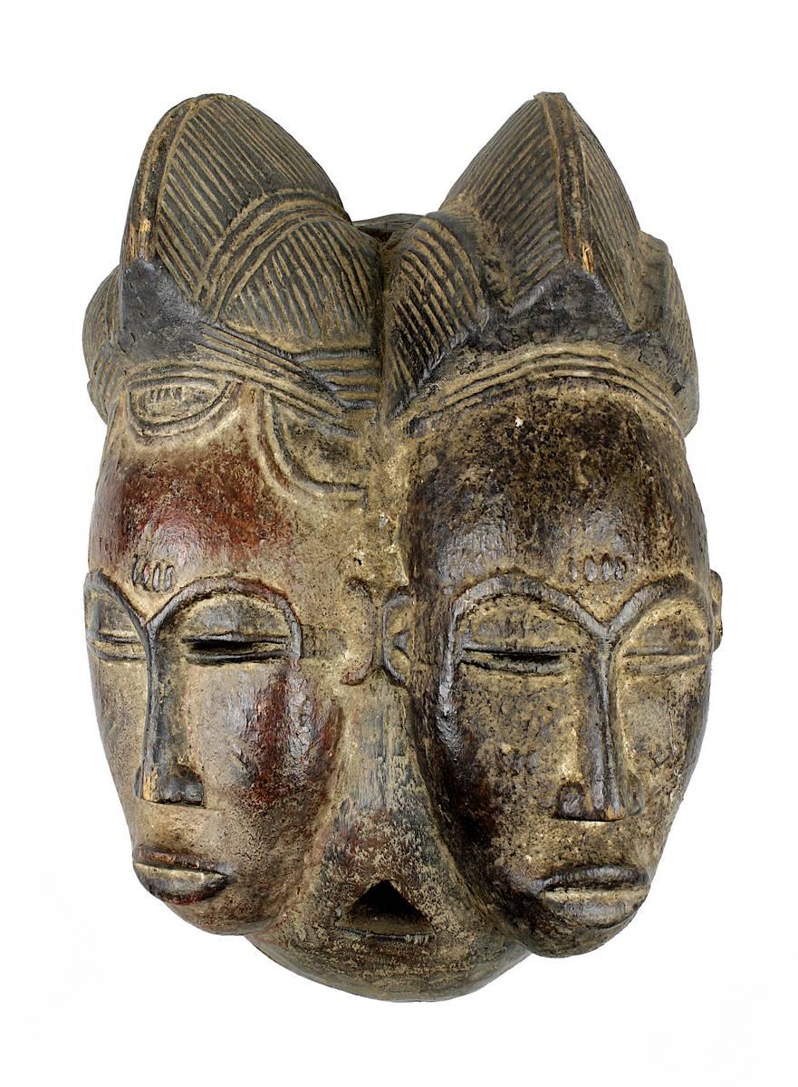 4-0009 - Mblo Zwillingsmaske der Baule, Côte d